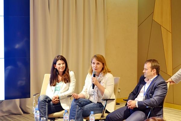 Слева-направо: Екатерина Бежанова, Виктория Кизимова, Виктор Лукаш